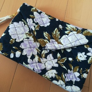 シマムラ(しまむら)のクラッチ 花柄 ノエラ スナイデル リランドチュール 神戸レタス GRL (クラッチバッグ)