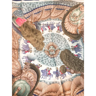 Hermes - 美品 エルメス スカーフ カレ90  シルク 紺色 馬柄 騎士