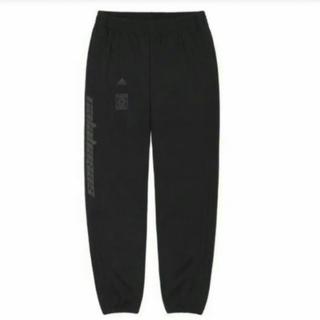 アディダス(adidas)のyeezy calabasas トラックパンツ Sサイズ ブラック(ワークパンツ/カーゴパンツ)