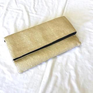 サンタモニカ(Santa Monica)の美品【 ベージュ 】クラッチバッグ  編み込み モードデザイン ベージュ(クラッチバッグ)