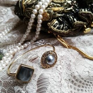 Ameri VINTAGE - vintageパールボタンバングル、ブレスレット