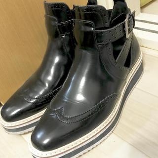 ザラ(ZARA)の2度のみ使用 ZARA ハイカット ベルト シューズ(ローファー/革靴)