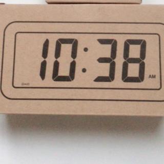 ムジルシリョウヒン(MUJI (無印良品))の無印良品 デジタル時計・小(アラーム機能付)掛置時計 ホワイト(置時計)