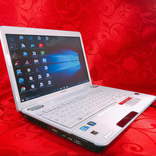 トウシバ(東芝)の【超美品 高性能】東芝 高性能Core i3 オシャレなホワイトカラー❤️(ノートPC)