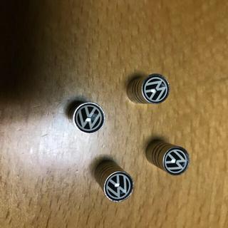 フォルクスワーゲン(Volkswagen)の送料無料 フォルクスワーゲン タイヤエアーバルブキャップ 4個セット(車外アクセサリ)