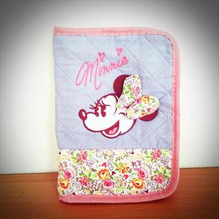 ディズニー(Disney)のミニー ♡ 小花柄 * 母子手帳ケース(その他)