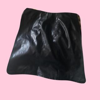 ジーユー(GU)のレザー風 ミニスカート(ミニスカート)