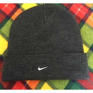 ナイキ(NIKE)のナイキ チャコールグレー ニット帽 フリーサイズ(ニット帽/ビーニー)