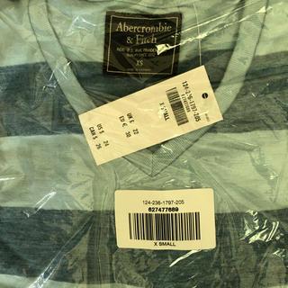 アバクロンビーアンドフィッチ(Abercrombie&Fitch)の未開封新品Abercrombie&FitchメンズTシャツXS ボーダーVネック(Tシャツ/カットソー(七分/長袖))
