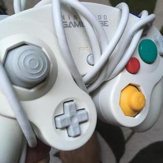 ニンテンドーゲームキューブ(ニンテンドーゲームキューブ)のゲームキューブコントローラ(家庭用ゲーム本体)