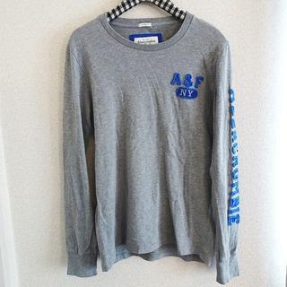 アバクロンビーアンドフィッチ(Abercrombie&Fitch)の長袖 Tシャツ ロンT 袖ロゴ カットソー トップス グレー サイズL(Tシャツ/カットソー(七分/長袖))