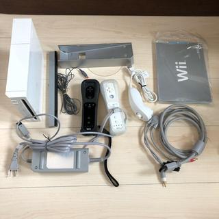 ウィー(Wii)のNintendo wii 本体 リモコン 2個セット ニンテンドウ スイッチ(家庭用ゲーム本体)