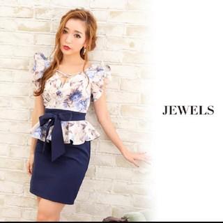 ジュエルズ(JEWELS)のJEWELS フリルスリーブ胸元クロス花柄ドレス(ミニドレス)