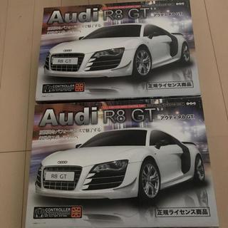 アウディ(AUDI)のAudi R8 GT RED 40MHz & MATTE BLACK 27MHz(トイラジコン)
