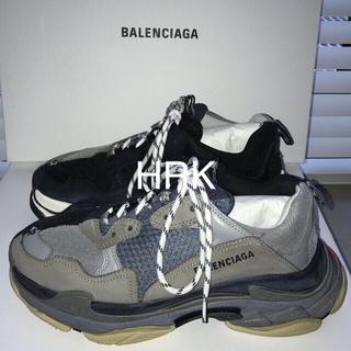 バレンシアガ(Balenciaga)のBalenciaga Triple S split color 42(スニーカー)