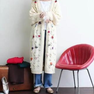 ドットアンドストライプスチャイルドウーマン(Dot&Stripes CHILDWOMAN)のバルキーアクリル透かし編み+刺繍  手刺繍 ロングカーディガン ニット(カーディガン)