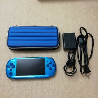 プレイステーションポータブル(PlayStation Portable)のPSP-3000 専用ケース付(携帯用ゲーム本体)