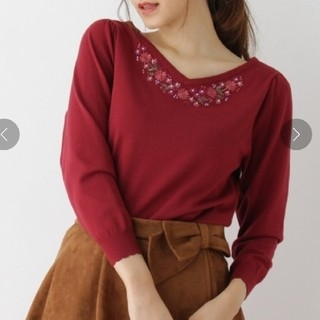 クチュールブローチ(Couture Brooch)のフラワー刺繍Vネックニット 36(ニット/セーター)