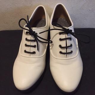 ジエンポリアム(THE EMPORIUM)のほぼ新品!THE EMPORIUM ドレッシーマニッシュシューズ おじ靴(ローファー/革靴)