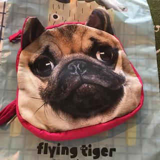 Flying Tiger Copenhagen - フライングタイガー  パグ犬柄ポシェット