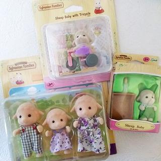 エポック(EPOCH)の パッケージ難有 シルバニアファミリー 海外版 ヒツジファミリー 赤ちゃん 人形(キャラクターグッズ)