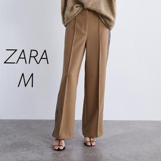 ザラ(ZARA)の【新品・未使用】ZARA サイド ストライプ パンツ M(カジュアルパンツ)