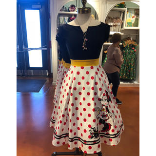 ディズニー(Disney)のミニー ドレス(ひざ丈ワンピース)