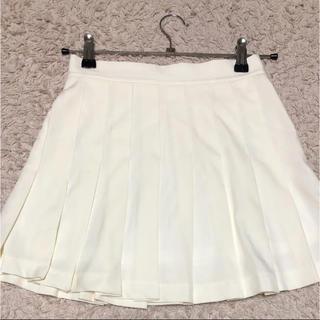 スピンズ(SPINNS)のホワイトプリーツスカート(ミニスカート)