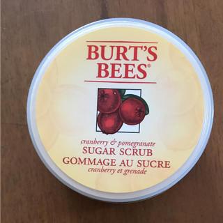 バーツビーズ(BURT'S BEES)の新品  バーツビーズ クランベリー&ポメグラネイト シュガースクラブ(ボディスクラブ)