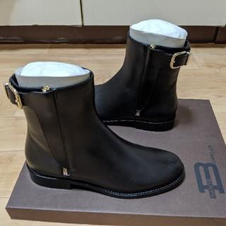 バーニーズニューヨーク(BARNEYS NEW YORK)のsante borella ショートブーツ(ブーツ)