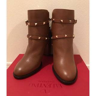 ヴァレンティノ(VALENTINO)のヴァレンティノ1月までお値下げ 新品未使用ロックスタッズショートブーツ(ブーツ)