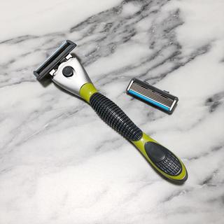 ジレ(gilet)のSchick クアトロ5 チタニウム T字 5枚刃 替刃付き 髭剃り(メンズシェーバー)