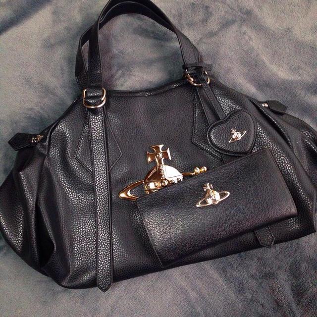 Vivienne Westwood(ヴィヴィアンウエストウッド)のビッグオーブ ボストンバッグ 黒 レディースのバッグ(ボストンバッグ)の商品写真