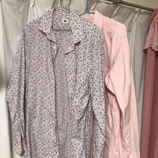 ユニクロ(UNIQLO)のユニクロメンズシャツ XL(ピンクのみ)(シャツ)