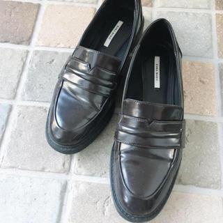 ザラ(ZARA)のシンプルなローファー(ローファー/革靴)