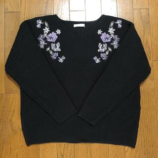 ショコラフィネローブ(chocol raffine robe)のショコラフィネローブ  花刺繍のニット  サイズF  黒(ニット/セーター)