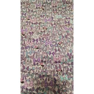 ディズニー(Disney)のミニー 紫のリボン柄 生地 50㎝ ディズニー はぎれ (生地/糸)