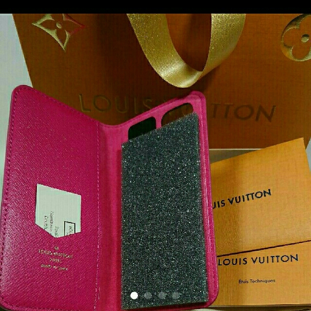 LOUIS VUITTON - ルイヴィトンiPhoneカバーの通販 by ろろ's shop|ルイヴィトンならラクマ