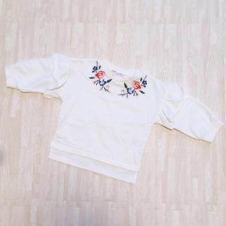 シマムラ(しまむら)の保育園着に♡ しまむら 刺繍トレーナー ❪90❫ 韓国服しまむら 薄手トレーナー(Tシャツ/カットソー)