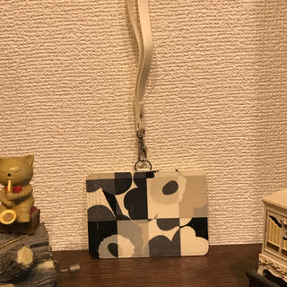 マリメッコ(marimekko)のパスケース、ネームホルダー(パスケース/IDカードホルダー)