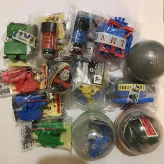 タカラトミー(Takara Tomy)の新品、トーマスカプセルプラレール、マイク他(電車のおもちゃ/車)