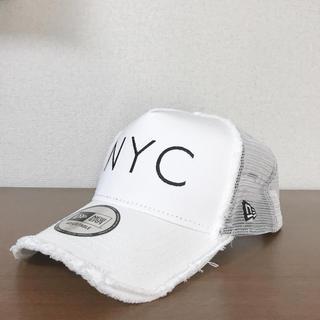 ニューエラー(NEW ERA)のNEW ERA NYCダメージキャップ(白)(キャップ)