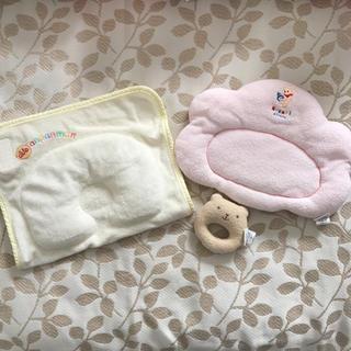 アンパンマン(アンパンマン)のベビー枕 2個セット♡ラトル付き(枕)