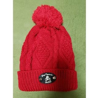 セクシーダイナマイト(SEXY DYNAMITE)のセクシーダイナマイトロンドン/真っ赤にワンポイントニット帽キャップ(ニット帽/ビーニー)