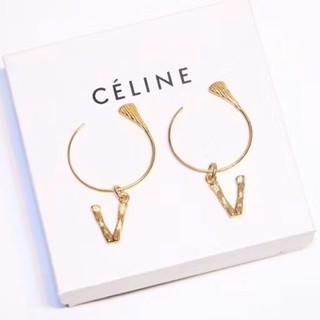 セリーヌ(celine)のセリーヌ celine イヤリング アルファベッド V(イヤリング)