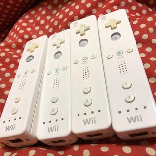 ウィー(Wii)のWiiリモコン ホワイト4個(家庭用ゲーム本体)