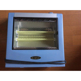 イワタニ(Iwatani)のイワタニ電気ヒーターストーブ5001000w暖房(電気ヒーター)