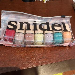 スナイデル(snidel)のsnidel ネイルセット 雑誌付録 新品(マニキュア)