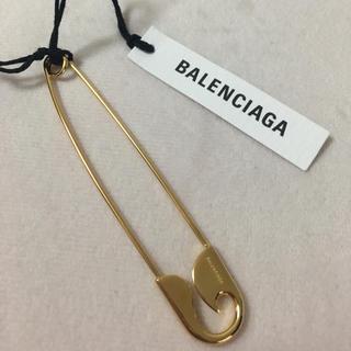 バレンシアガ(Balenciaga)の【BALENCIAGA】バレンシアガ 安全ピン シングルピアス(ピアス)