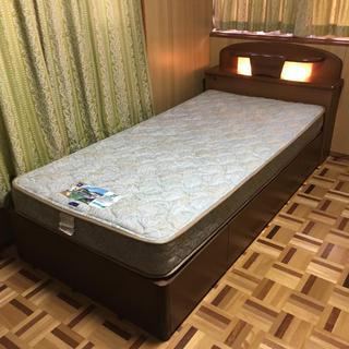 フランスベッド(フランスベッド)のシングルベッド (マットレスはフランスベッド、フレームはシーリー)   中古(シングルベッド)